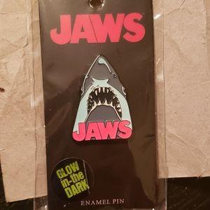Jaws pin